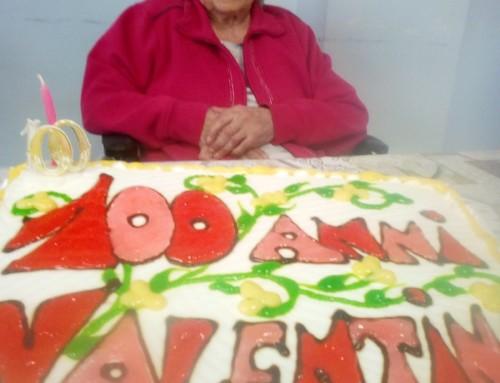 Festa per i 100 anni di una ospite della RSA di Santa Rufina